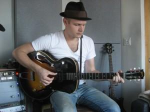 """The Audio Mechanic"" by Jason Finkel: Recording Electric Guitars"