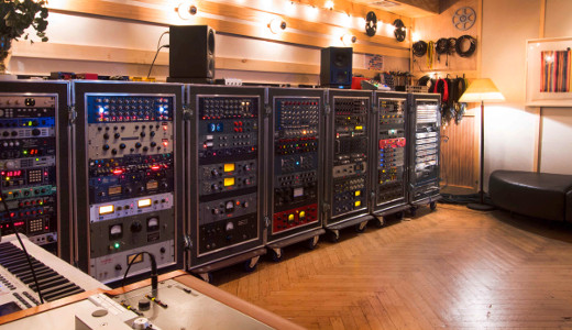 Seven full racks of sound shaping are at your disposal.