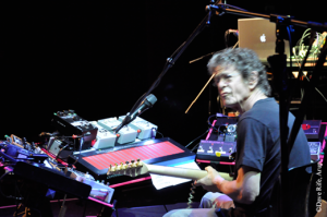"""Lou Reed was intrigued by the chance to give audiences a listen to Lou Reed during his 2009 live performance of """"Metal Machine"""" at NYC's Gramercy Theatre. (Photo by Dave Rife, courtesy of Arup.)"""