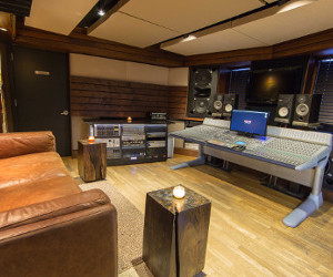 Louder than the Crowd: Quad Amps Up Studio Q1