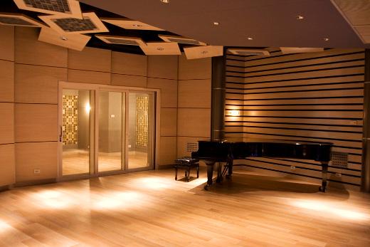 Studio makers spotlight francis manzella design sonicscoop for Recording studio live room design