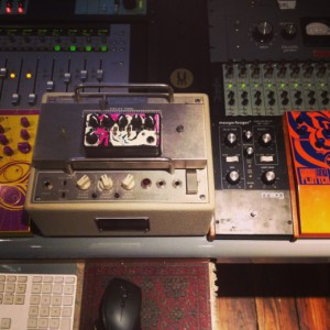 Brian Bender's delays: FullTone Tube Tape Echo, the square wave parade - Teaspoon, cream and sugar edition Moog Moogerfooger mf-104z (click to enlarge) Snazzy FX - wow and flutter