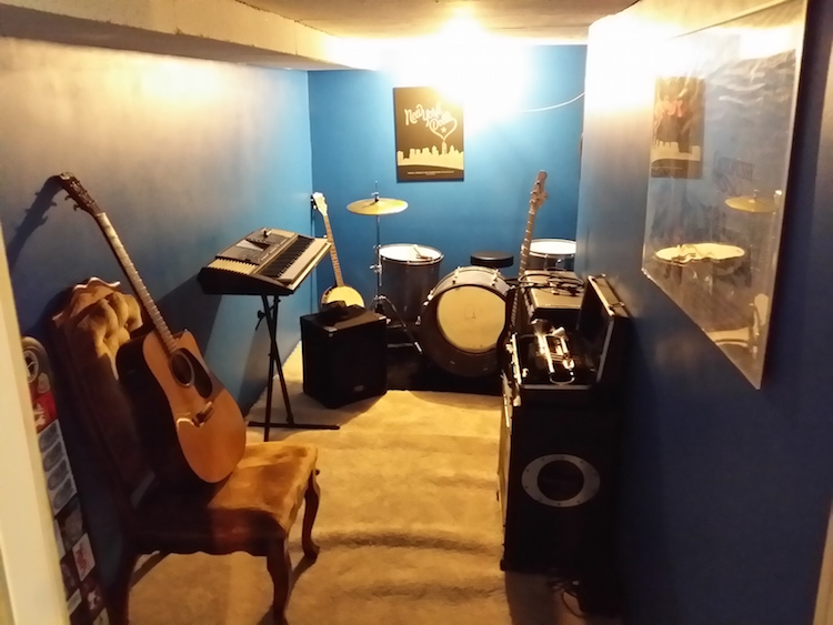 How to Build Your Own Soundproof Rehearsal Room (When You Have No Idea What You're Doing)