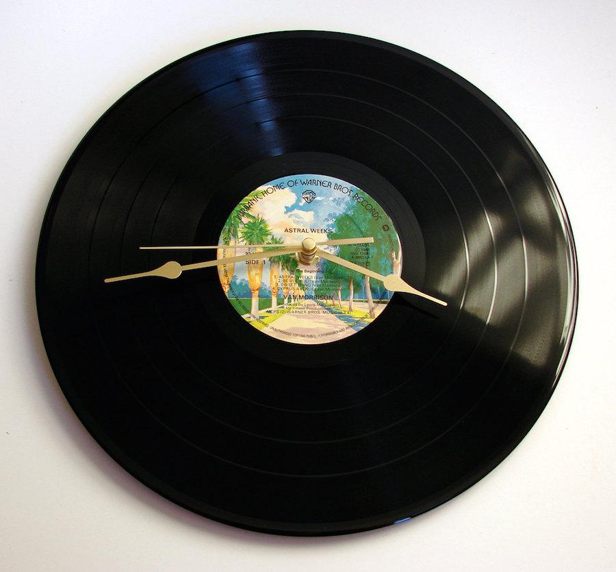 """Vintage record clock by Etsy user """"clockstockandbarrell"""""""
