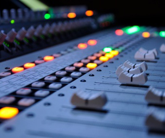 Industry Intel: 2017 Audio Engineer Salaries & Jobs (By Industry and Region)