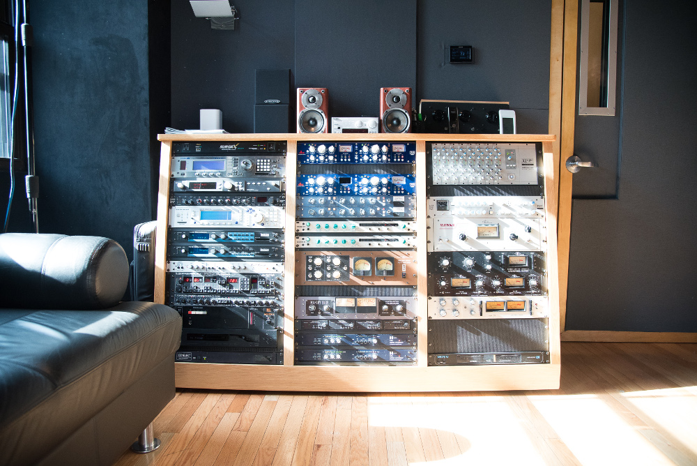 Sun-kissed on 14th Street: Sound Generation shines with technical excellence.